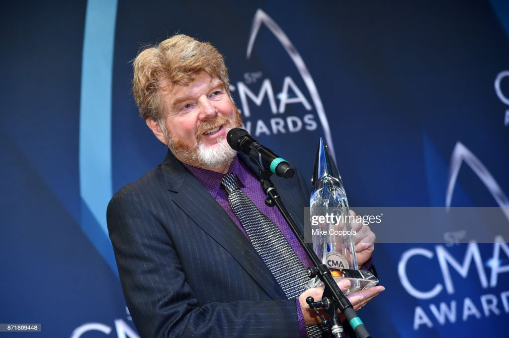 The 51st Annual CMA Awards - Press Room : News Photo