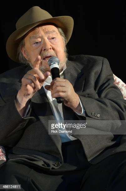 Singer/Songwriter Mac Wiseman is 1 of the 3 newest inductees into the 2014 Country Music Hall Of Fame CMHOF member Mac Wiseman speaks during the...