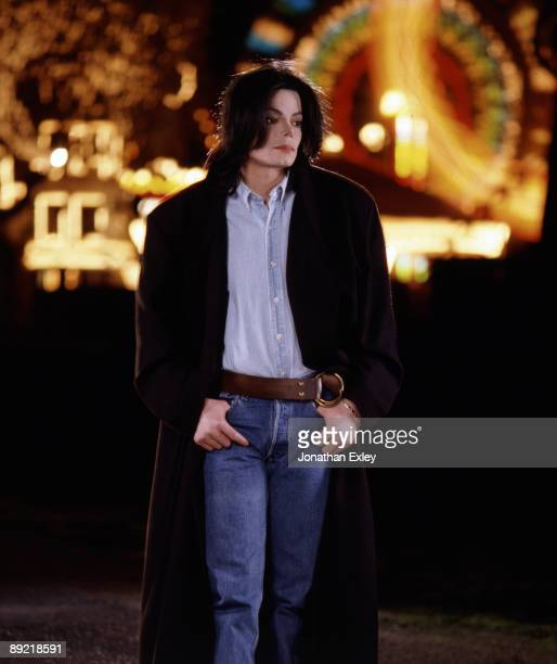 Singer/Songwriter Michael Jackson photographed at Neverland Ranch for Vibe Magazine on December 17, 2001. PUBLISHED IMAGE
