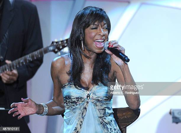 Singer/songwriter Natalie Cole performs onstage during the 21st annual Race to Erase MS at the Hyatt Regency Century Plaza on May 2 2014 in Century...