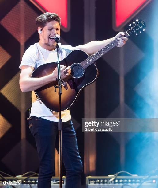 Singersongwriter Niall Horan performs onstage Q102's Jingle Ball 2017 Presented by Capital One at Wells Fargo Center on December 6 2017 in...