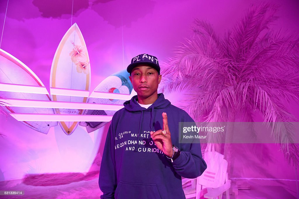 adidas Originals = PHARRELL WILLIAMS Pink Beach