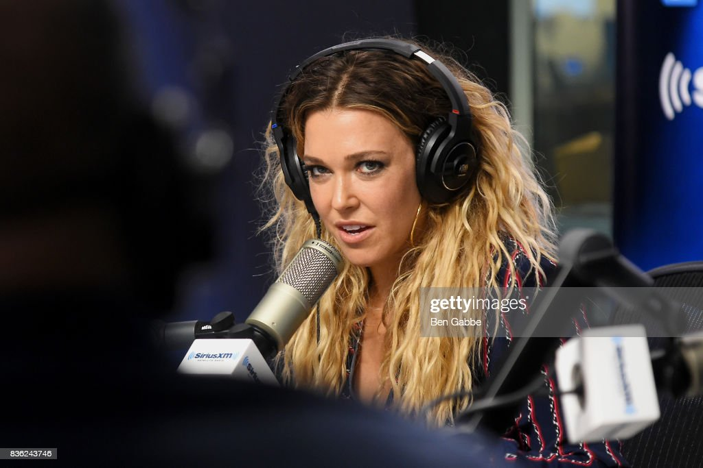 Singer/songwriter Rachel Platten visits 'The Morning Mash Up' on SiriusXM Hits 1 Channel at SiriusXM Studios on August 21, 2017 in New York City.