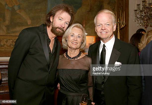 Singer/Songwriter Ronnie Dunn Nancy Walker and Chairman and Founder of Celebrity Fight Night Jimmy Walker attend a cocktail reception held at Palazzo...
