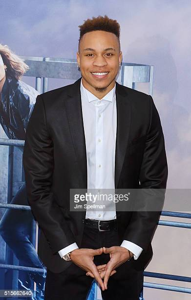 Singer/songwriter Rotimi attends the Allegiant New York premiere at AMC Loews Lincoln Square 13 theater on March 14 2016 in New York City