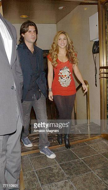 Singer/songwriter Shakria and Antonio De La Rua leave a midtown hotel on September 29 2007 in New York City