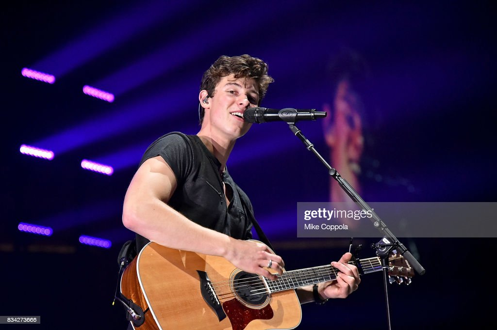 Singer/songwriter Shawn Mendes performs at Prudential Center on August 17, 2017 in Newark, New Jersey.