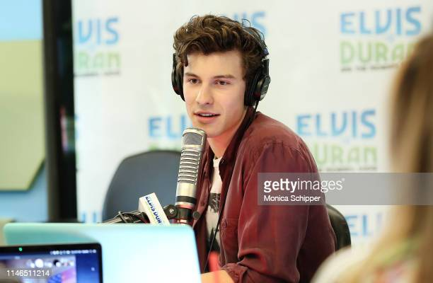 singersongwriter-shawn-mendes-visits-elv
