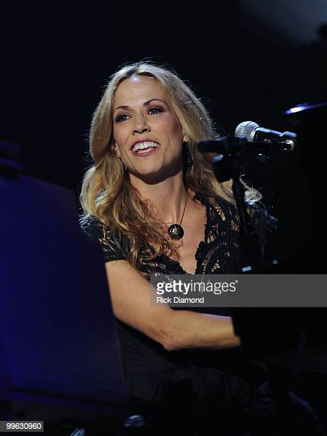 Singer/Songwriter Sheryl Crow performs during the Music City Keep on Playin' benefit concert at the Ryman Auditorium on May 16, 2010 in Nashville,...