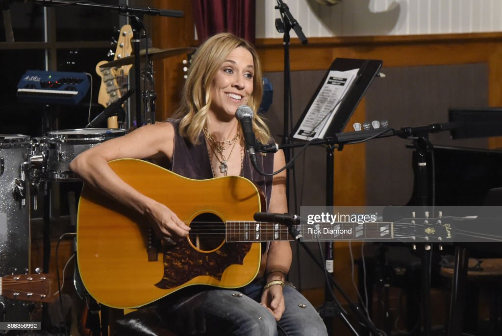 Singer-songwriter Sheryl Crow performs for a house concert benefiting MusiCares on October 30, 2017 in Nashville, Tennessee.
