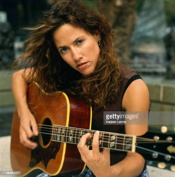 Singersongwriter Sheryl Crow poses for a portrait for the New Faces section of Rolling Stone Magazine on August 31 1993 in New York City New York