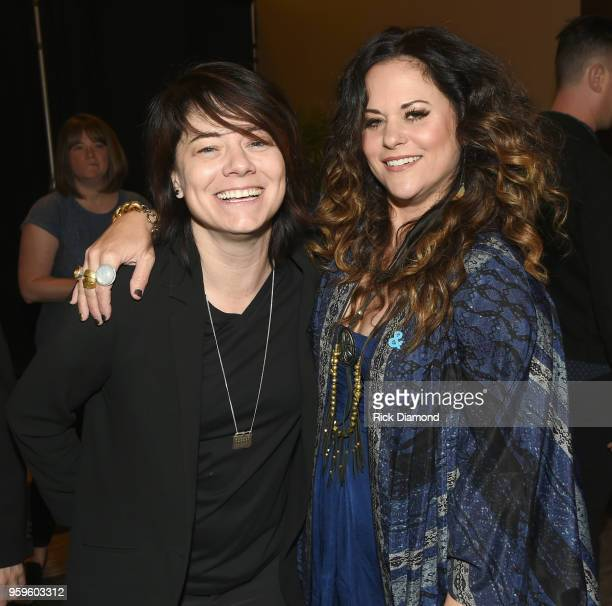 Singersongwriter Sonia Leigh and artist Shelly Fairchild take photos before the Music Biz 2018 Awards Luncheon for the Music Business Association on...