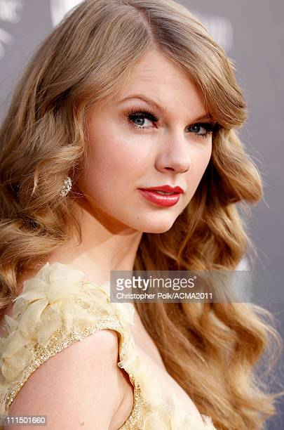 Singer/songwriter Taylor Swift arrives at the 46th Annual Academy Of Country Music Awards RAM Red Carpet held at the MGM Grand Garden Arena on April...
