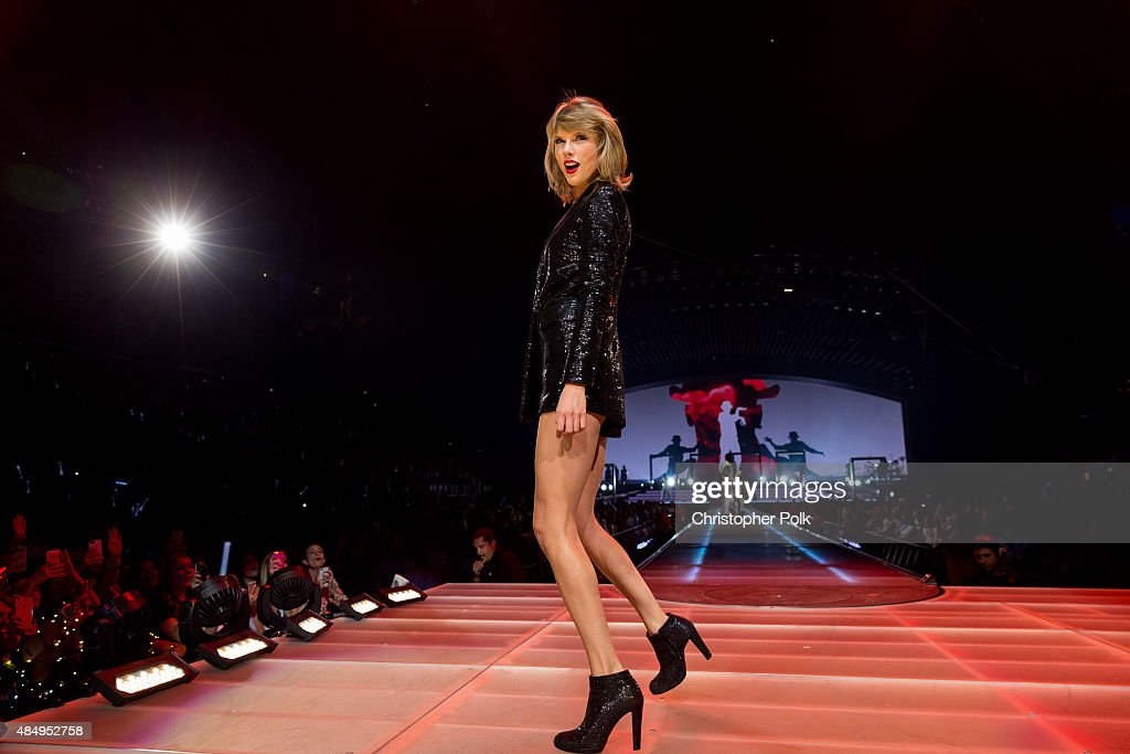 Taylor Swift The 1989 World Tour Live In Los Angeles - Night 2 : News Photo