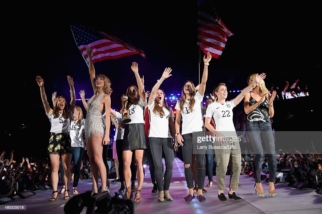 Singer/songwriter Taylor Swift performs onstage with model Heidi Klum and the U.S. Women's World Cup champions during The 1989 World Tour Live at MetLife Stadium on July 10, 2015 in East Rutherford, New Jersey.