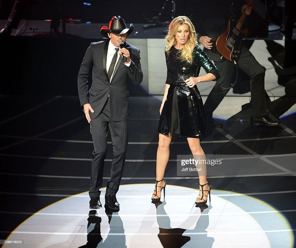 Singer/songwriter Tim McGraw (L) and singer Faith Hill perform during the opening weekend of their limited-engagement 'Soul2Soul' show at The Venetian on December 8, 2012 in Las Vegas, Nevada. The country music couple is scheduled to perform on 10 weekends through April 2013.