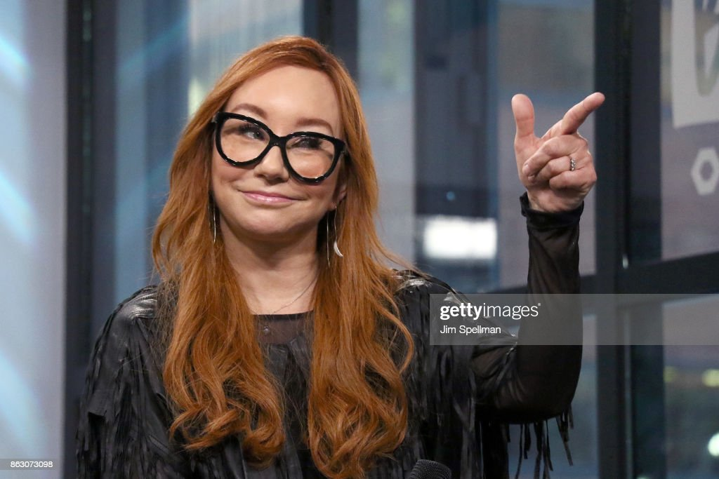 "Build Presents Tori Amos Discussing Her Album ""Native Invader"" & World Tour"