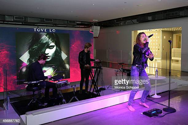 Singersongwriter Tove Lo performs at the iHeartMedia Appy Hour Event Featuring A Performance By Tove Lo At iHeartMedia's Midtown Office on October 8...