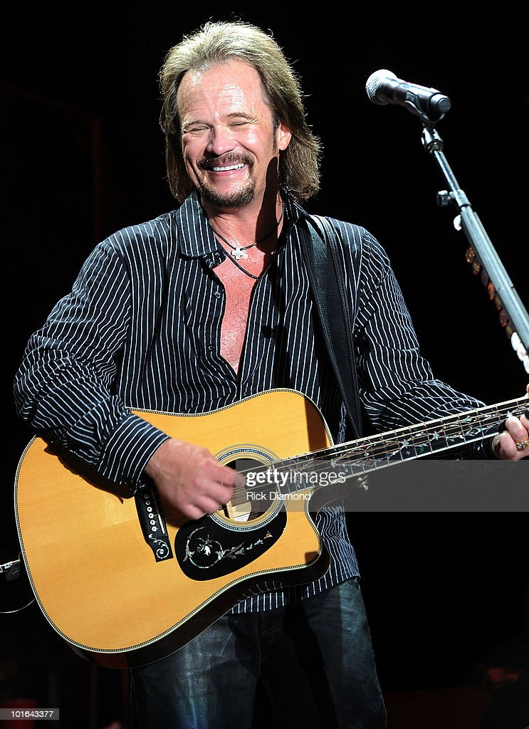 Singer/Songwriter Travis Tritt performs during the 2010 BamaJam Music & Arts Festival at the corner of Hwy 167 and County Road 156 on June 4, 2010 in Enterprise, Alabama.