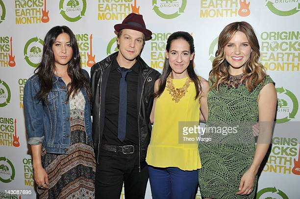 Singersongwriter Vanessa Carlton singersongwriter Gavin DeGraw Global President and General Manager of Origins Jane Lauder and actress and Origins...