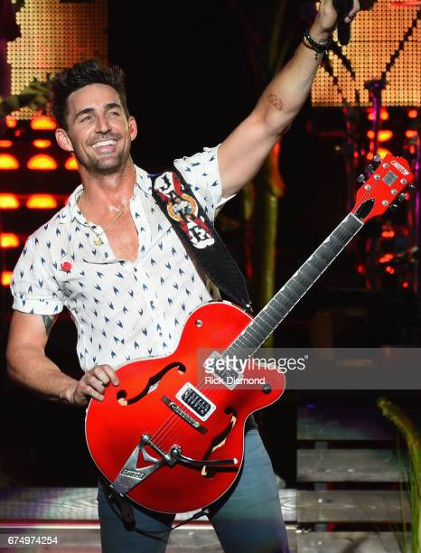 Singer/Songwriter/FSU Alum Jake Owen comes home and performs during Doak After Dark at Florida State University on April 29 2017 in Tallahassee...