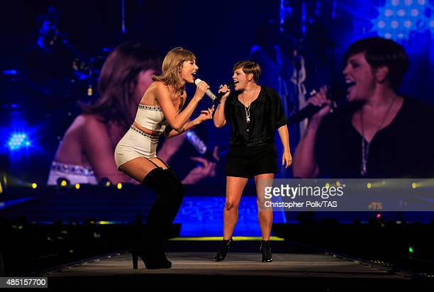 Singersongwriters Taylor Swift and Natalie Maines of the band Dixie Chicks perform onstage during Taylor Swift The 1989 World Tour Live In Los...