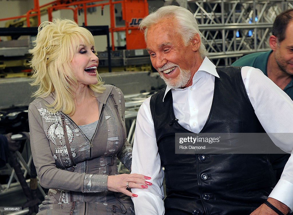 Kenny Rogers: The First 50 Years Show - Backstage : News Photo