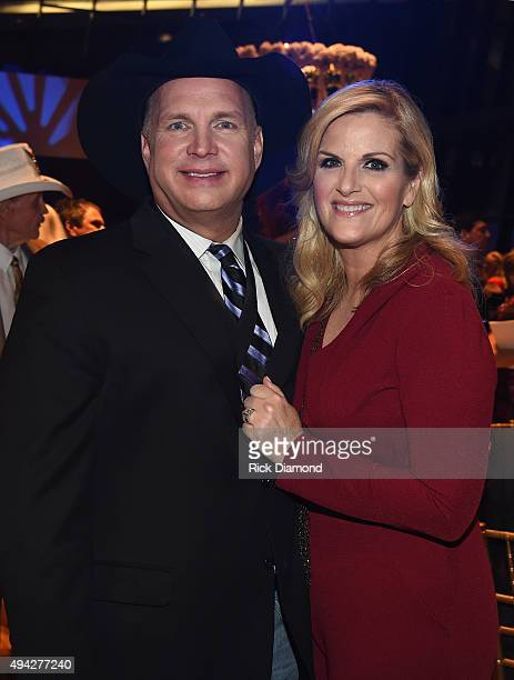Singers/Songwriters Garth Brooks and Trisha Yearwood attend The Country Music Hall of Fame 2015 Medallion Ceremony at the Country Music Hall of Fame...