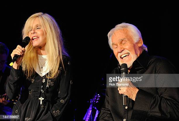 Kim Carnes Stock Photos and Pictures   Getty Images
