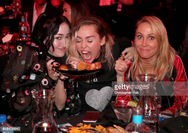 Singerssongwriters Noah Cyrus and Miley Cyrus and Tish Cyrus attend the 2017 iHeartRadio Music Awards which broadcast live on Turner's TBS TNT and...