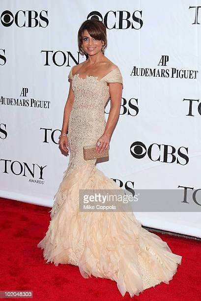 Singer/television personality Paula Abdul attends the 64th Annual Tony Awards at Radio City Music Hall on June 13, 2010 in New York City.