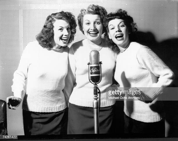 Singing group The Dinning Sisters in the recording studio on January 10 1946 in Los Angeles California
