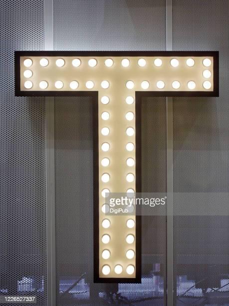 """single letter """"t"""" - ��t�� photos et images de collection"""