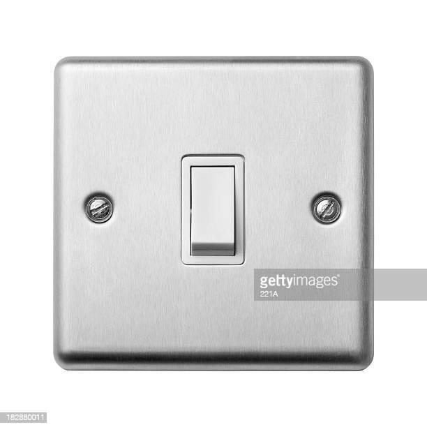 Un interruptor de luz sobre blanco
