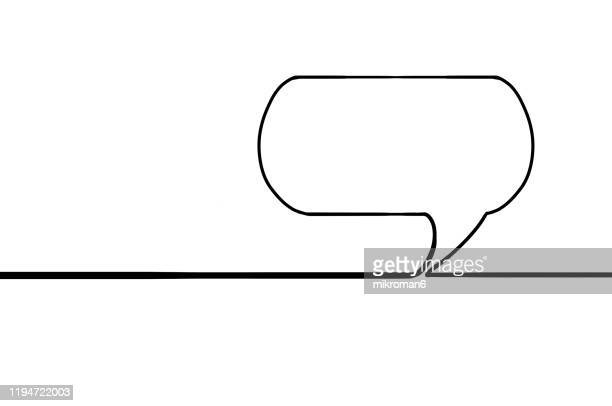 single line drawing of a speech bubble - lineart stock-fotos und bilder