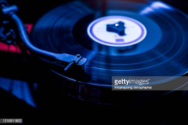 single object, record, sparse, turntable, extreme close-up - grooved stock pictures, royalty-free photos & images