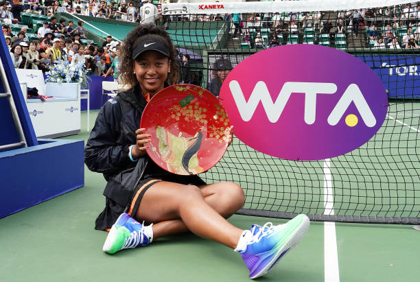 WTA OSAKA 2019 - Page 3 Singles-champion-naomi-osaka-of-japan-poses-for-photographs-with-the-picture-id1176267378?k=6&m=1176267378&s=612x612&w=0&h=SWMgbqJdkM_DEZfNffypHXO9oUrgjscdLBbefAjIYWc=