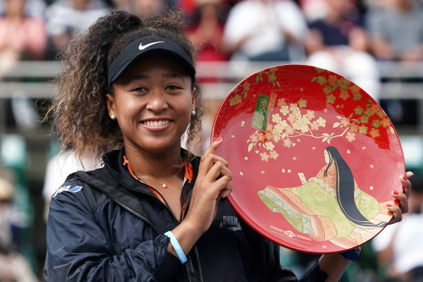 WTA OSAKA 2019 - Page 3 Singles-champion-naomi-osaka-of-japan-poses-for-photographs-with-the-picture-id1176270171?k=6&m=1176270171&s=612x612&w=0&h=_vUmONXngASMPLXKIkBdVebr5P7wTxL20vrpBZIsC9Q=