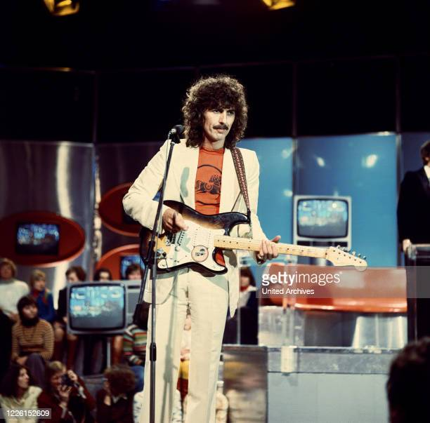Singt My Sweet Lord in der ZDF-Musiksendung Disco, 19. August 1972. George Harrison, performance, ZDF Music Show: Disco, 1972.