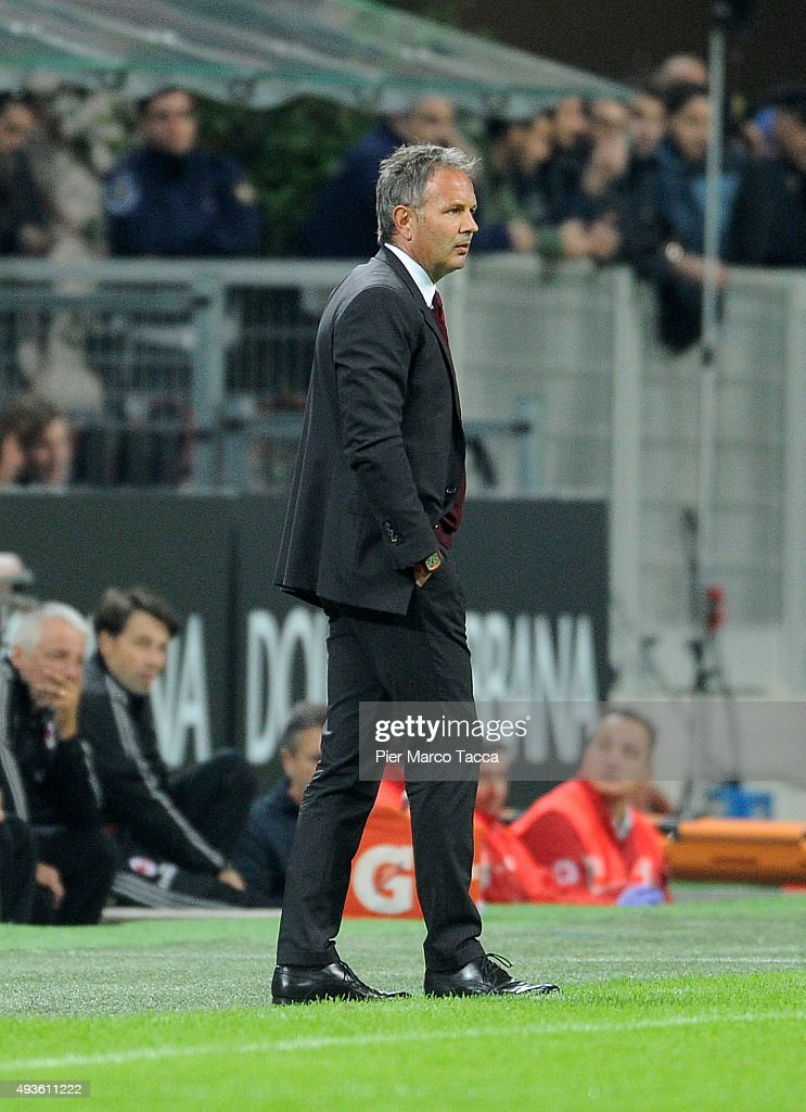 Sinisa Mihajlovic Head coach of AC Milan looks during the Berlusconi Trophy match between AC Milan and FC Internazionale at Stadio Giuseppe Meazza on October 21, 2015 in Milan, Italy.