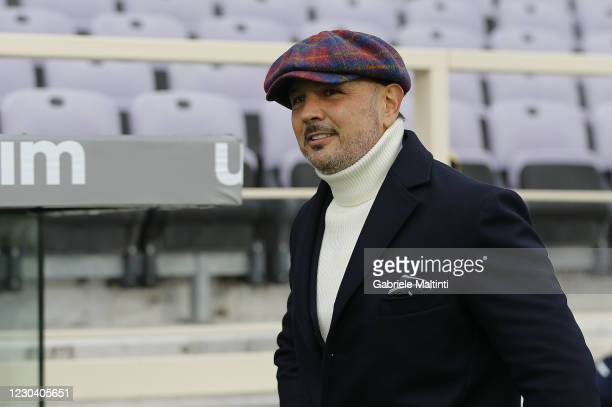 Sinisa Mihajlovic manager of Bologna FC looks on during the Serie A match between ACF Fiorentina and Bologna FC at Stadio Artemio Franchi on January...