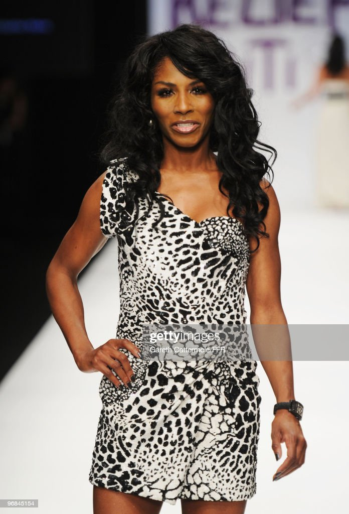 Naomi Campbell's Fashion For Relief - Haiti London, 2010 - Catwalk : News Photo