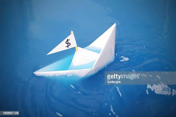 sinking - sinking stock pictures, royalty-free photos & images