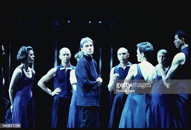 siobhan davies dance co. in eighty eight - robbie jack stock-fotos und bilder