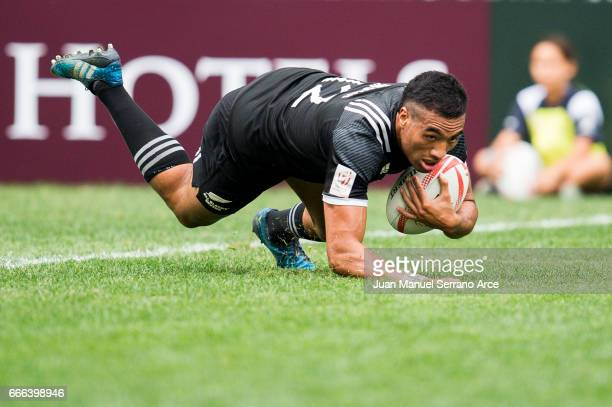 Sione Molia of New Zealand is tackled during the 2017 Hong Kong Sevens match between South Africa and New Zealand at Hong Kong Stadium on April 9...