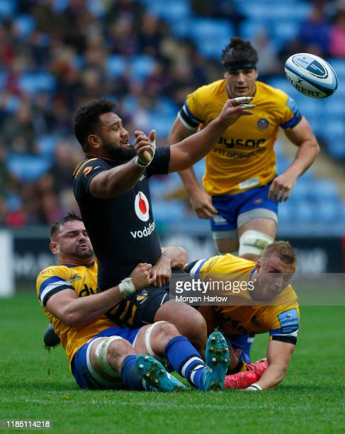 Sione Vailanu of Wasps is taken on by Elliott Stooke and of Bath during the Gallagher Premiership Rugby match between Wasps and Bath Rugby at the...