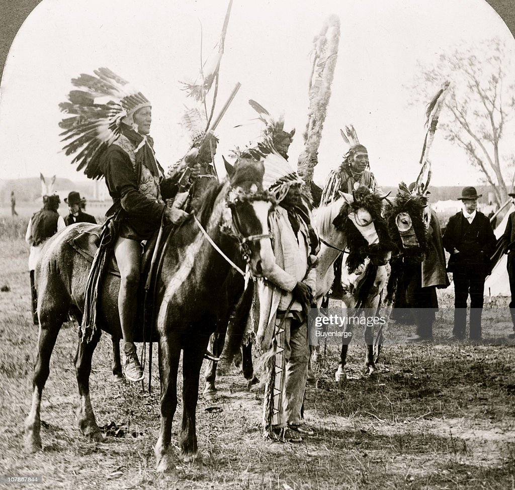 Sioux Indians and ponies, 1919  News Photo - Getty Images