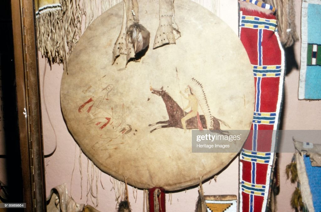 Sioux War Shield North American Plains Indian Artist Unknown Foto Jornalistica Getty Images