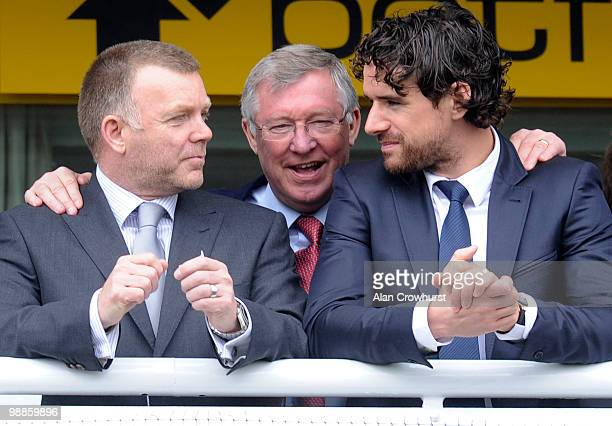 Sir Alex Ferguson enjoys the day with Owen Hargreaves and a Manchester United coach at Chester racecourse on May 05, 2010 in Chester, England