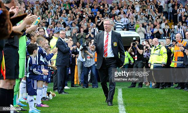 Sir Alex Ferguson manager / head coach of Manchester United is applauded through the guard of honour